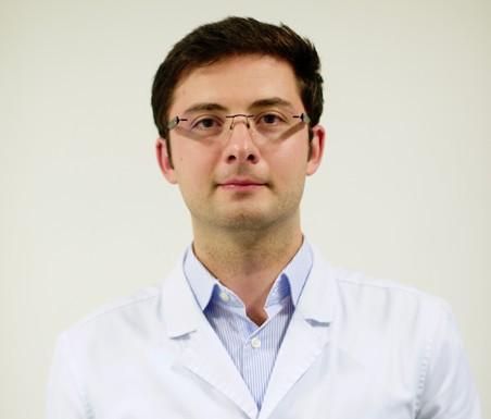 Dr. Razvan Zaro